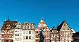 Frankfurter Römerberg mit Rathaus