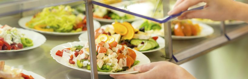 Salatbar in der Kantine dank BGM