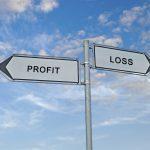 Zwei Richtungspfeile geben die Richtung für Gewinn und Verlust an