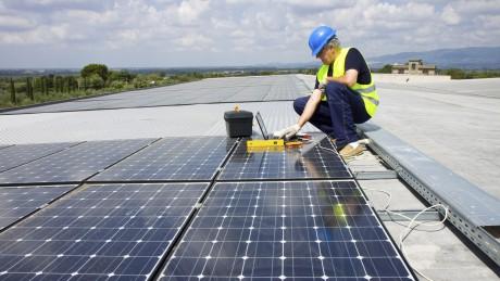 Leitfaden für die brandschutzgerechte Planung, Installation und den Betrieb von Photovoltaik-Anlagen