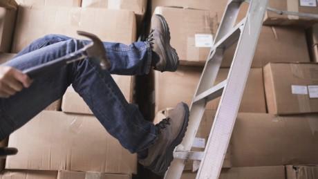 Leitern und Tritte: Tipps für den sicheren Einsatz