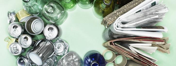 So sollen sowohl in privaten Hauhalten als auch in Unternehmen die Recyclingquoten insgesamt erhöht werden. Ziel ist es die Sammlung und das Recycling von Wertstoffen effizienter und einfacher zu gestalten.