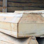 einfache Holzsärge
