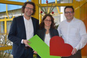 Kartei der Not-Geschäftsführerin Susanne Donn mit WEKA-Geschäftsführer Stephan Behrens und Michael Bruns