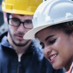 Schutzausrüstung für das Arbeiten unter Spannung