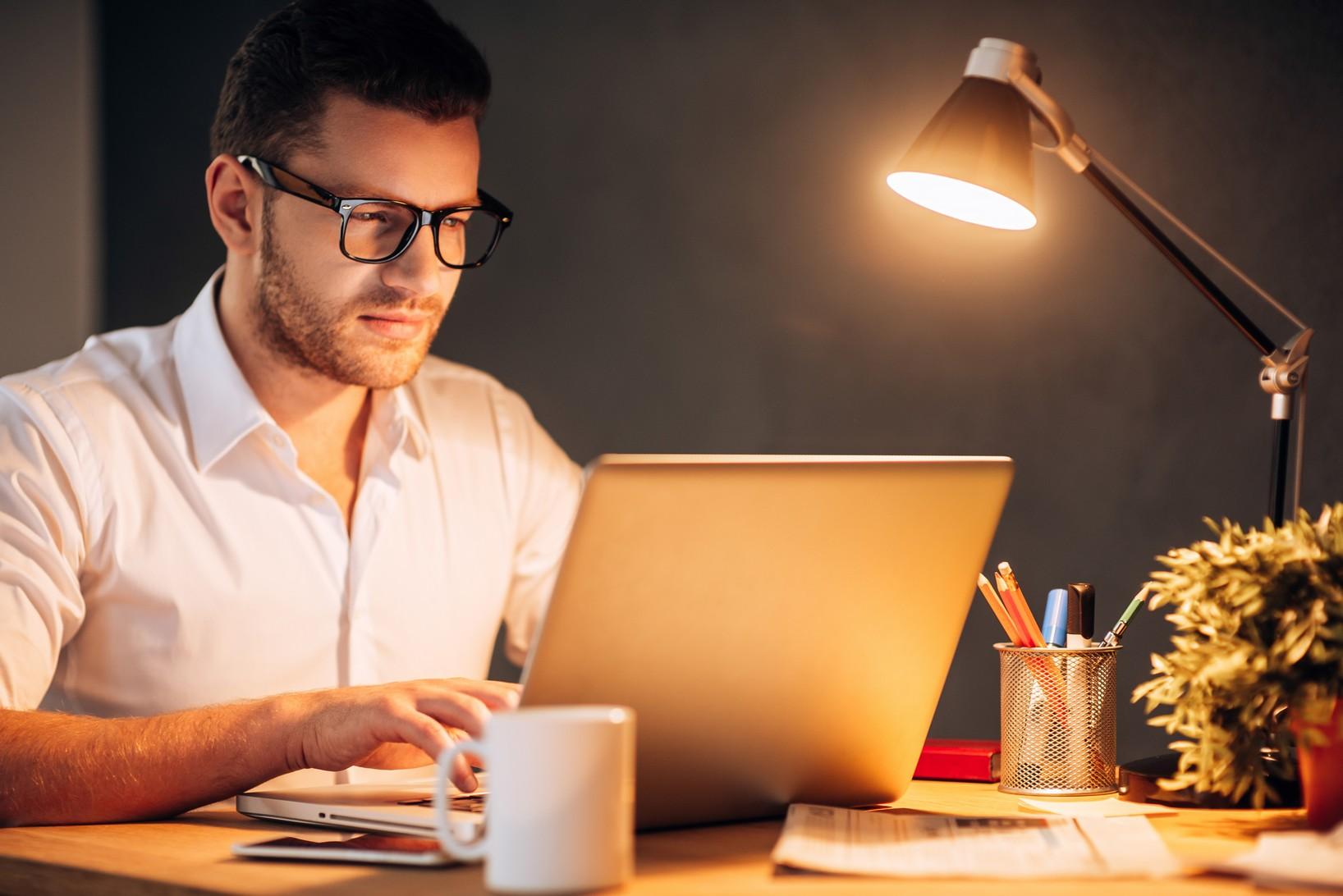 Beleuchtung am Arbeitsplatz – für ausreichend Tageslicht sorgen