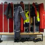 Schutzausrüstung: Arbeitgeber muss Umkleidezeiten bezahlen