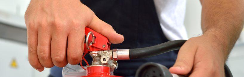 Brandschutzhelfer Aufgaben bei Brandbekämpfung