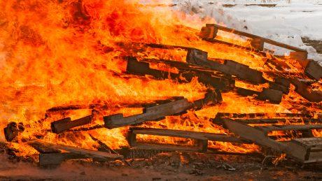 Brandschutz im Lager: So erkennen Sie versteckte Brandgefahren