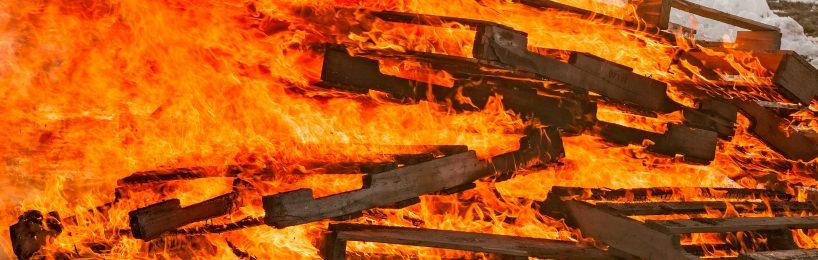 Brennende Paletten