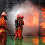 In der Norm DIN VDE 0132 sind u.a. die Aufgaben des Anlagenbetreibers bei der Brandbekämpfung festgelegt.