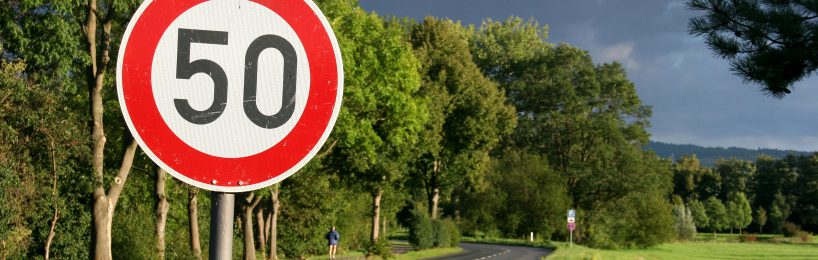 Streckenbezogene Geschwindigkeitsbeschränkung gilt nur für angezeigte Gefahr