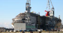 Die MV Werften feierten Richtfest einer Halle zum Bau von Super-Linern.