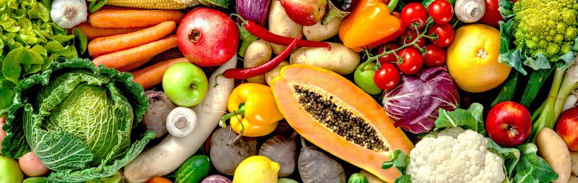 Lebensmittelketten wie Rewe investieren verstärkt in ihre Logistik und Filialnetze.