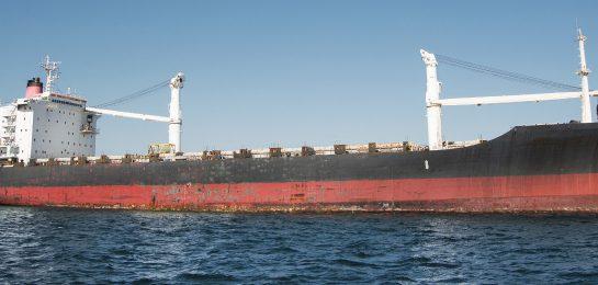 Problematische Öltransporte durch die Meerenge von Bab el-Mandeb und durch die Straße von Hormus.