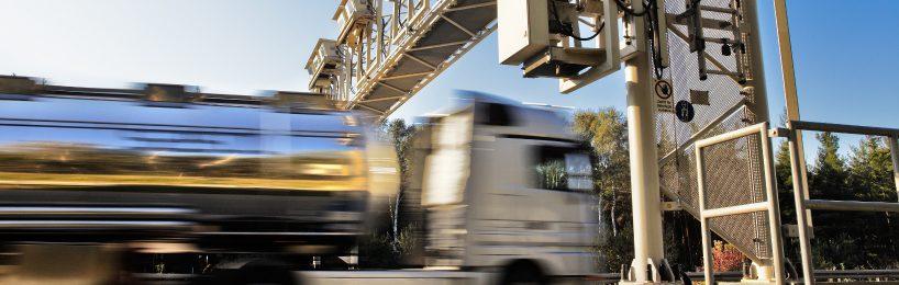 Maut: Bis zum 01.03.2019 soll ein neuer Betreiber für das Lkw-Mautsystem gefunden werden.
