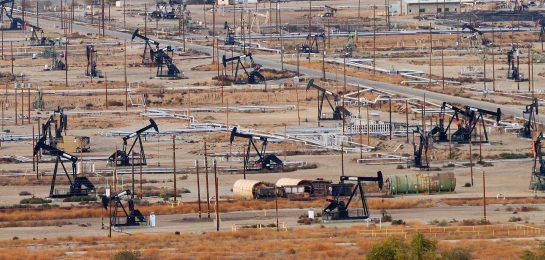 Für die teuren Ölpreise machen Saudi-Arabien und Russland den US-Präsidenten verantwortlich.