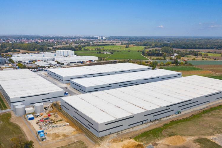 """Die Four Parx GmbH hat Anfang 2019 den Gewerbe- und Logistikpark """"GG RheinMain"""" mit rund 120.000 qm Logistikfläche in Groß-Gerau fertig gebaut."""