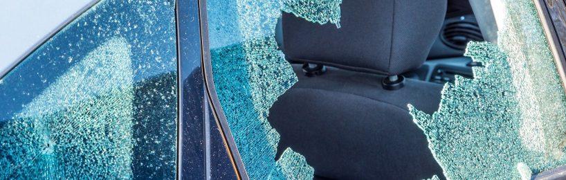 beschädigtes Fahrzeug abschleppen