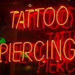 Schließen von Tattoo- Piercingstudios