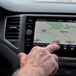 Touchscreens während der Fahrt verboten