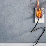 Brennende Steckdose