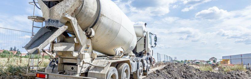 Beton auf der Baustelle transportieren